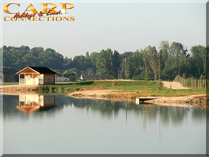 BERKLEY lake, Le Chenet: Stek 9+10, chalet inclusief 2 vissers, uitbreidbaar tot maximaal 4 vissers